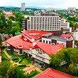 фото Отеля «Миротель» в Трускавце.Отель на фоне Трускавца