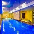 фото курортный отель лесная песня. бассейн в санатории