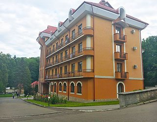 кришталевий палац трускавець