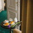 фото отель алькор. номер люкс. завтрак