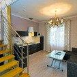 Номер 2-уровневые Апартаменты (Queen Suit Apart). Комната