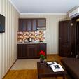 фото Санатория «Лесная песня» Трускавец. Номер 2-комнатные Апартаменты. Столик