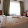 фото отель ревита трускавец. номер double. кровать