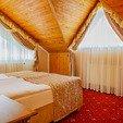 фото ЛОК отеля ДиАнна Сходница. Номер Люкс Classic. Кровать